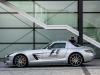 mercedes-benz_sls_amg_gt_f1_safety_car_2