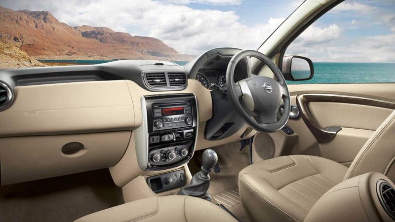 Nissan-Terrano interior